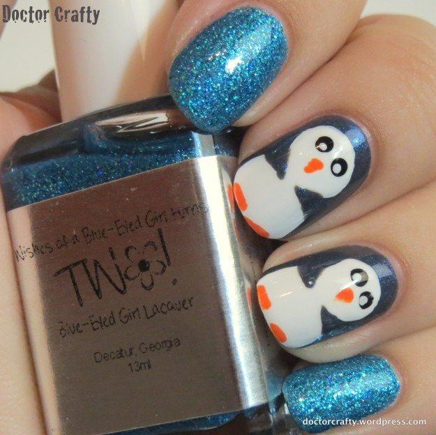 Another pic of my sparkly penguin mani